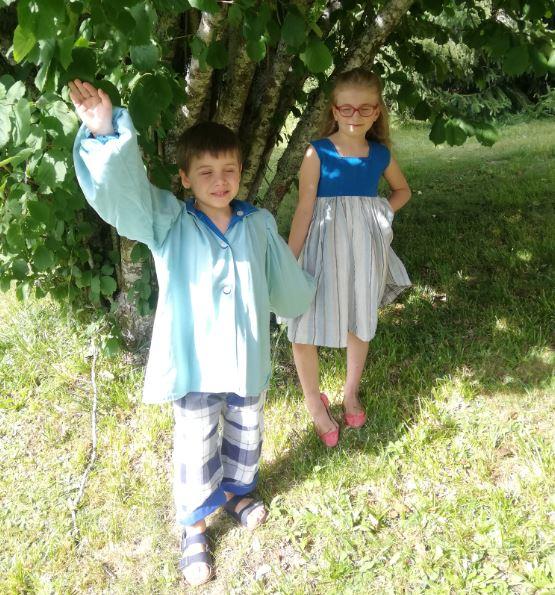 Les enfants d'honneur de Fifi au jardin Mariages_i123456789123456789123456789