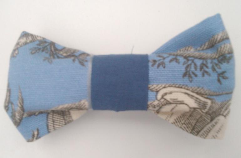 noeud papillon bleu et toile de Jouy réversible Fifi au jardin gamme Hommes gamme Mariages
