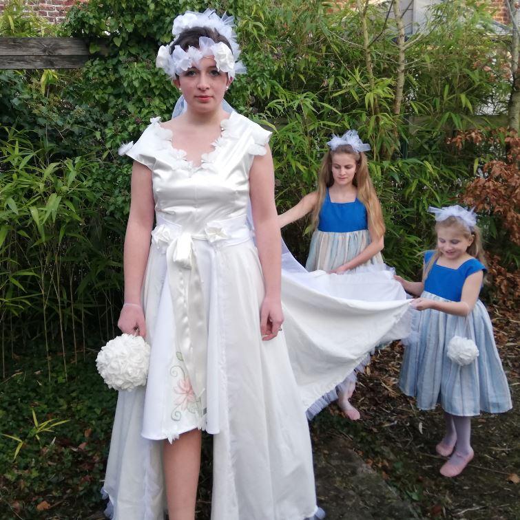 Robe Les Créations _Les Mariées de Fifi au jardin_ robe et traîne _i1