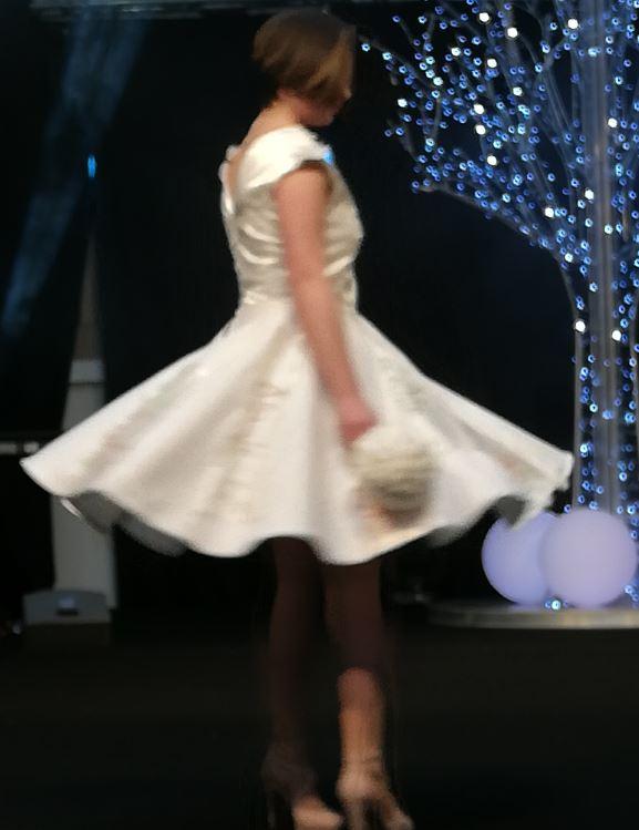 Robe Les Créations _Les Mariées de Fifi au jardin_ robe et traîne _i92