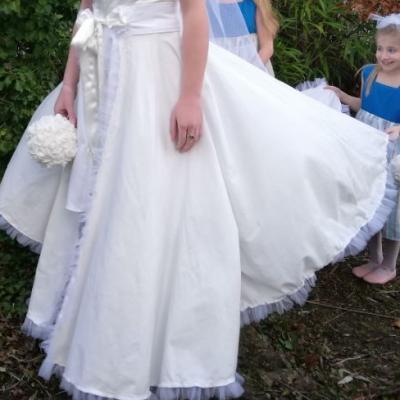 Robe Les Créations _Les Mariées de Fifi au jardin_ robe et traîne