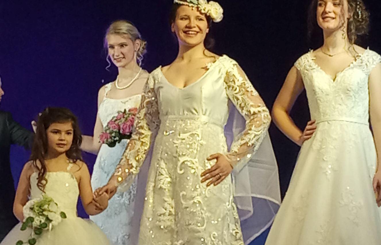 Vos mariages seront uniques avec votre tenue unique réalisée par Fifi !