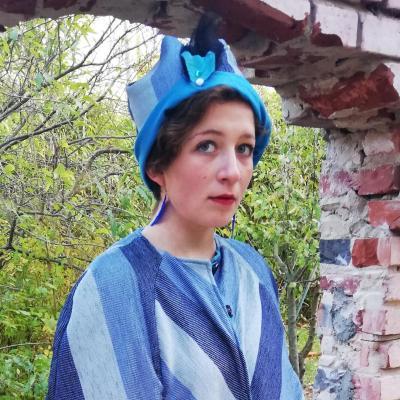 Chapeau bibi reversible accessoirise bleu de bulles fifi au jardin