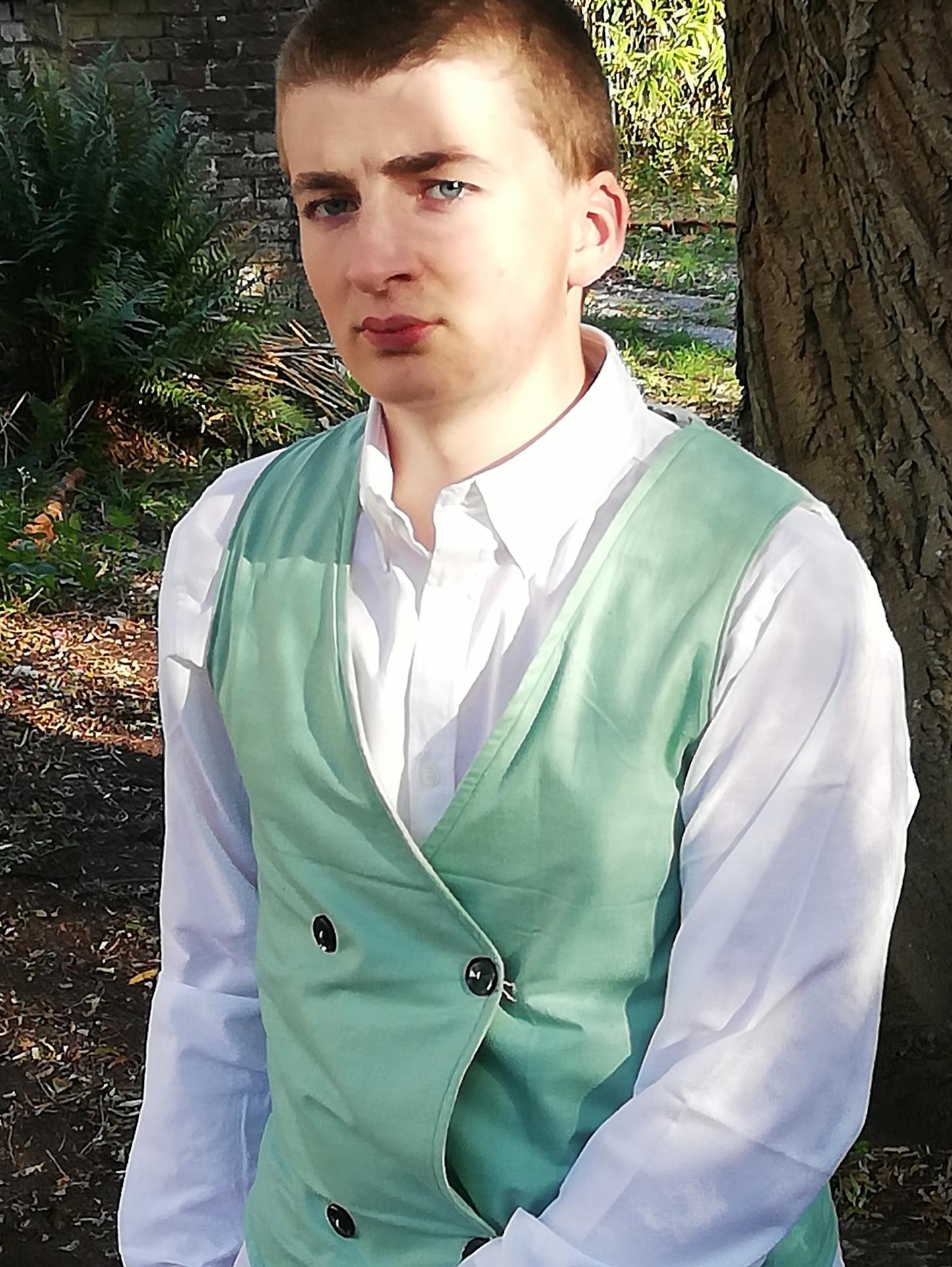 Gilet homme reversible coton imprime fleuri et touche cachemire vert pastel boutonnage croise detail 6