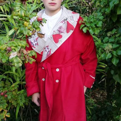 Manteau reversible imprime 3d coeurs et touche cachemire cintrage ceinture pose 2