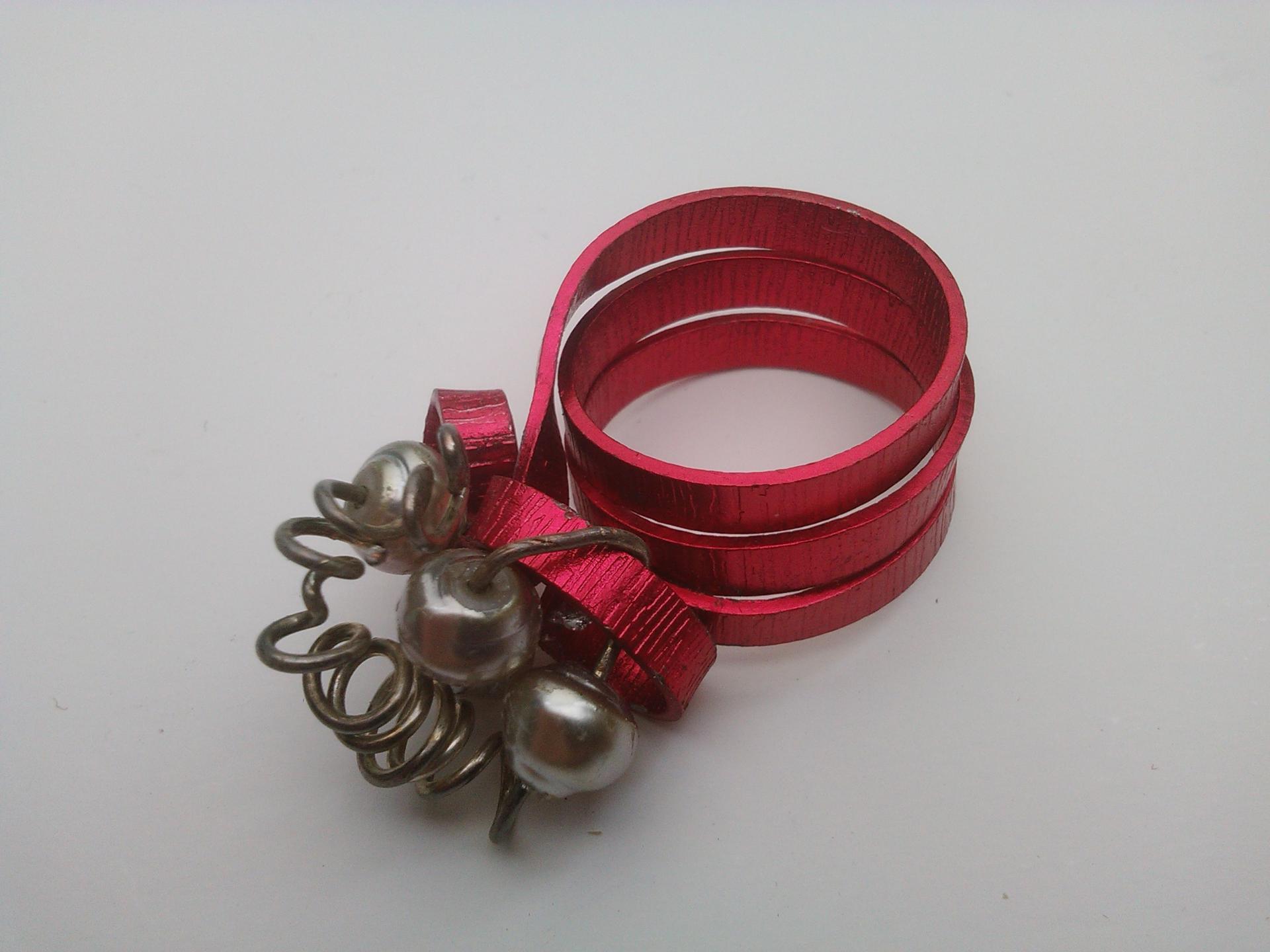 Parure bague marquise qualite materiaux precieux fantaisie perles de qualite fils tresses couleurs travaillees main pieces de dentelle brodees main fifi au jardin precious