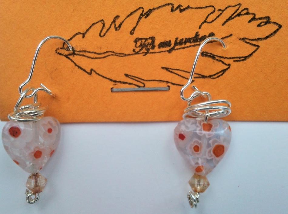 Parure paire de boucles d oreilles claire qualite materiaux precieux fantaisie perles de qualite fils tresses couleurs travaillees main pieces de dentelle brodees main fifi au jard