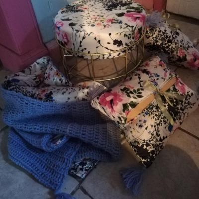 Rechauffe canape de qualite coussin cale tete de qualite rien que pour soie pouf assise douceur rien que pour soie fifi au jardin detail 5