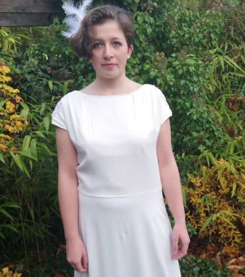 Robe de mariee reversible annees folles fifi au jardin pose 10