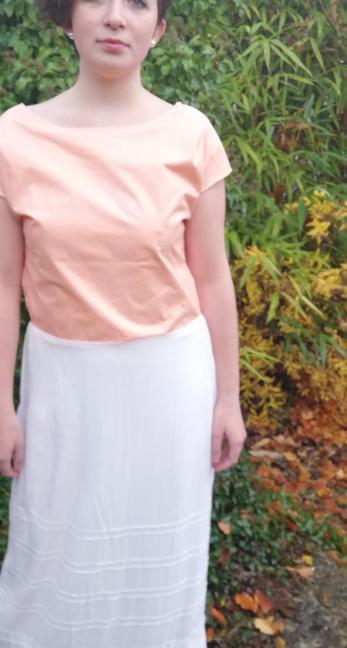 Robe de mariee reversible annees folles fifi au jardin pose 15