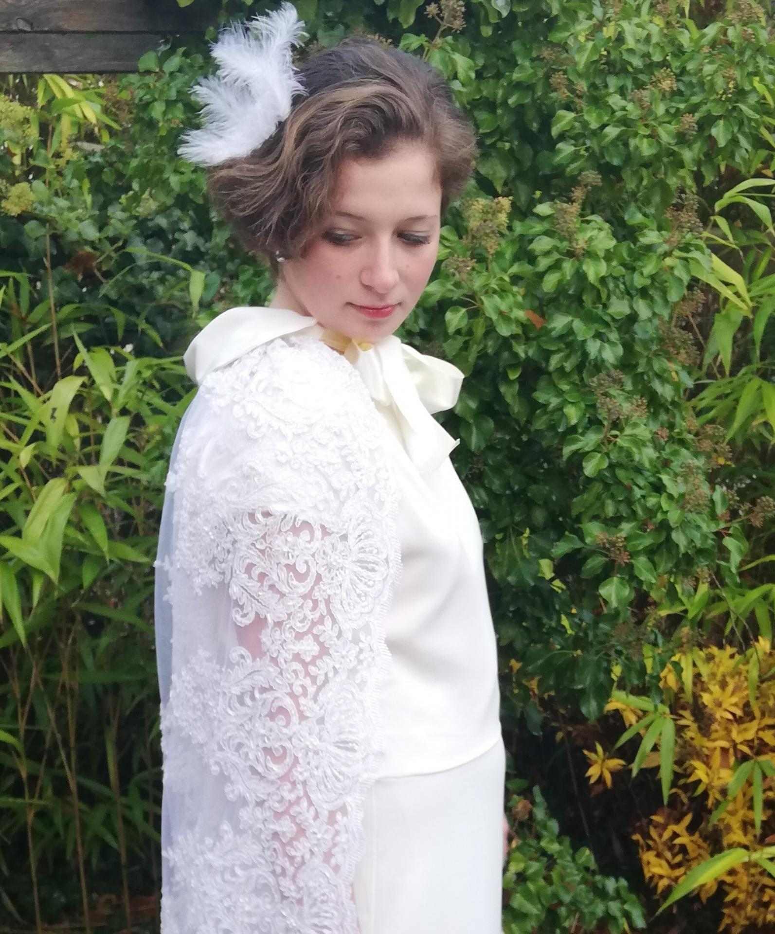 Robe de mariee reversible annees folles fifi au jardin pose 27