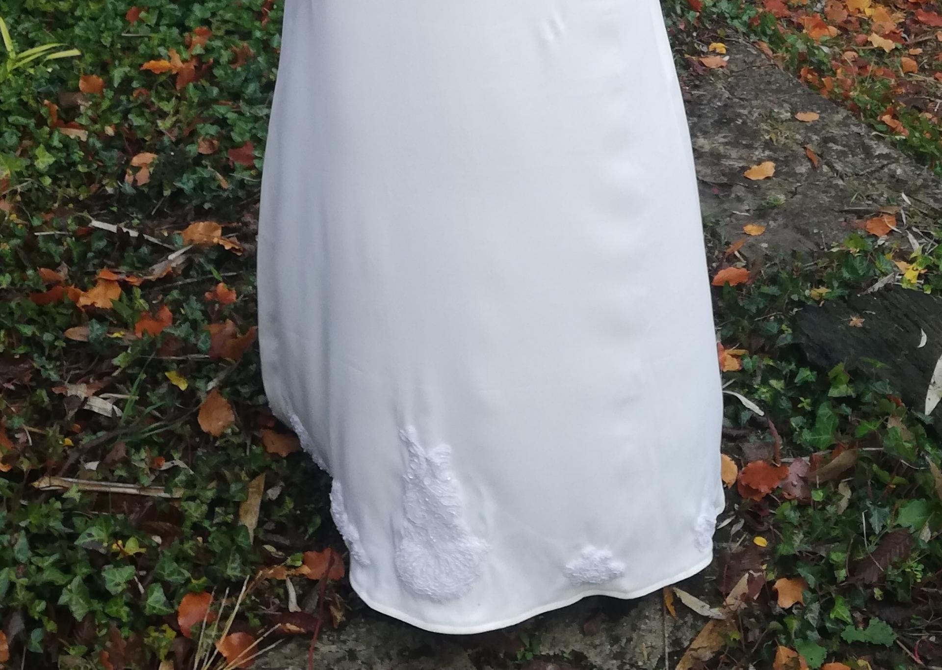 Robe de mariee reversible annees folles fifi au jardin pose 5