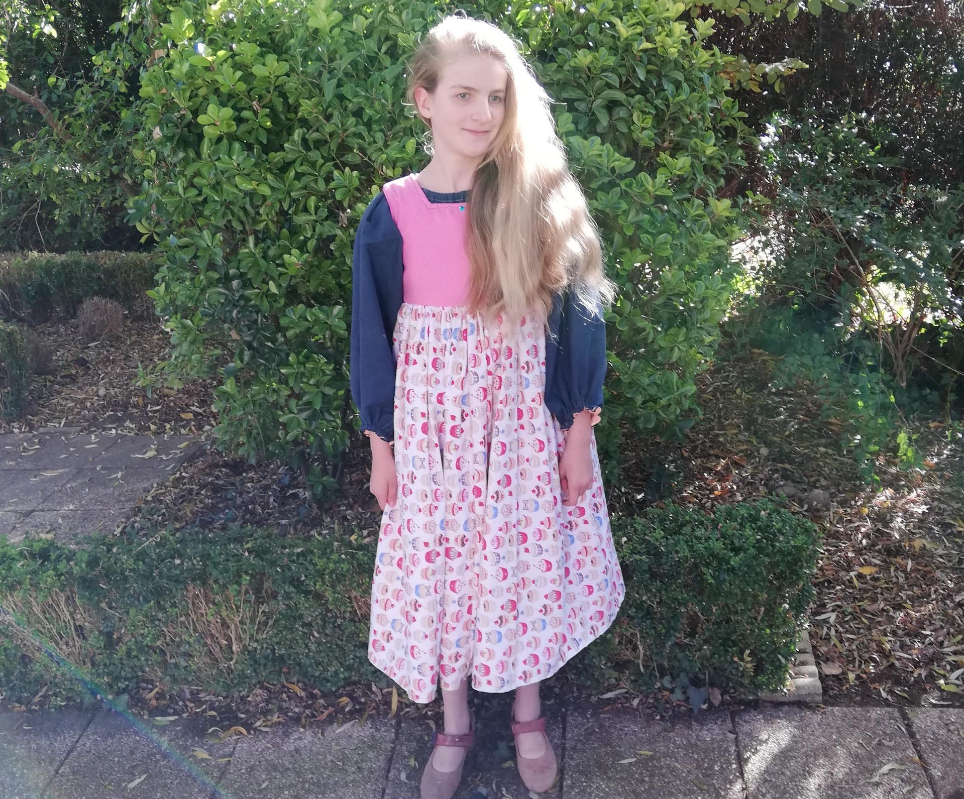 Robe de princesse reversible 10 14 ans fraamboise fifi au jardin