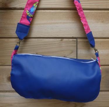 Sac reversible l elegant cuir veritable bleu marine et fushia roses motifs fifi au jardin daily gamme maroquinerie i3