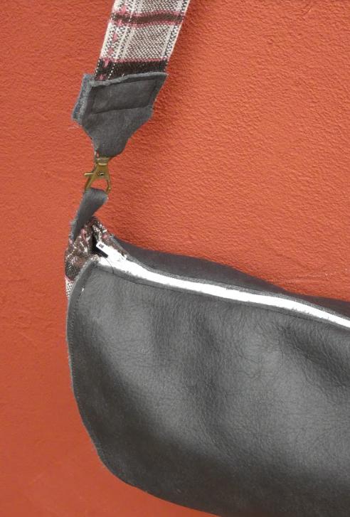 Sac reversible l elegant cuir veritable gris et rayures blanc gris rose fifi au jardin daily gamme maroquinerie i7 1