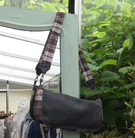 Sac reversible l elegant cuir veritable gris et rayures blanc gris rose fifi au jardin daily gamme maroquinerie