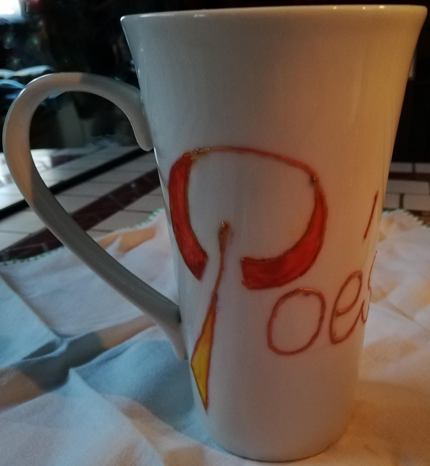 Tasse en porcelaine peinte a la main thermoresistante poesie fifi au jardin pose 2