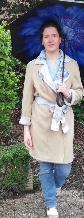 Trench reversible beige bleu gris fifi au jardin pose 4