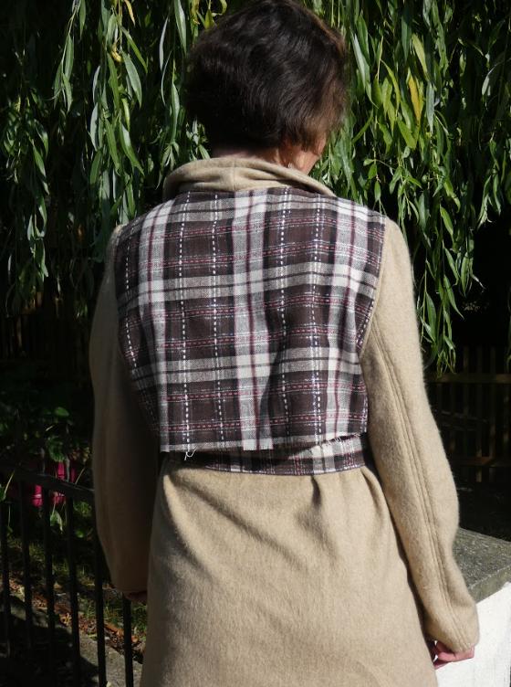 Trench reversible damier fushia chocolat et beige avec ceinture gamme femmes fifi au jardin