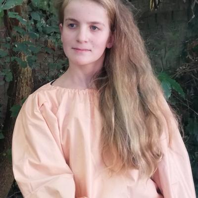 Tunique reversible jeune fille en fleur premiere saumon 12 14 ans fifi au jardin pose 4